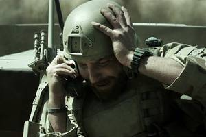 Bradley Cooper Gets Emotional in 'American Sniper' New Trailer